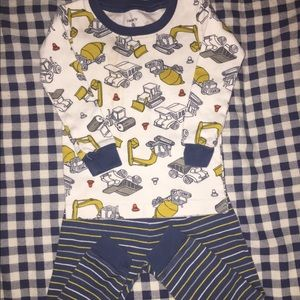 2-Piece Construction Print Pajama Set